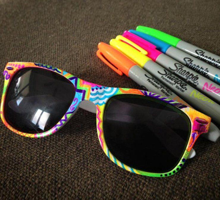 Assorted Sharpie neon markers