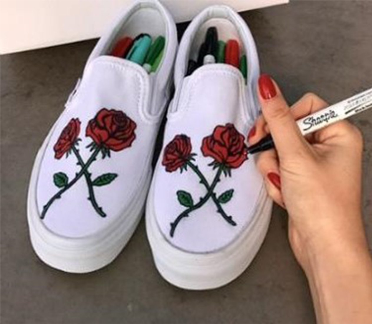 canvas-shoes-with-roses